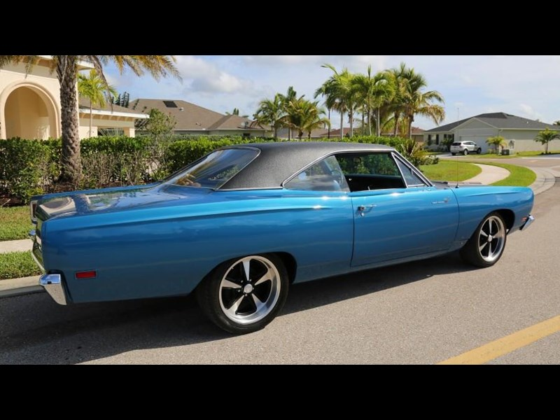 plymouth road runner 837453 021