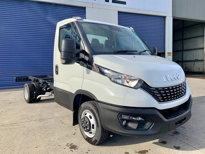 iveco daily 50c18a8 837386 011