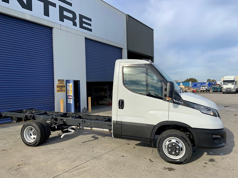 iveco daily 50c18a8 837386 007