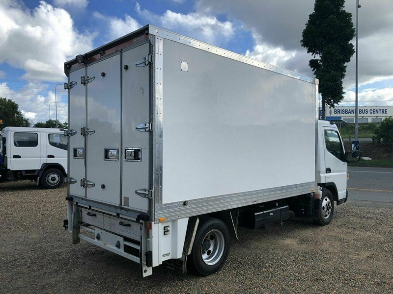 fuso canter 838162 011
