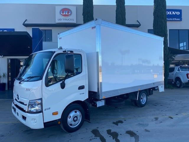 hino other 828403 001