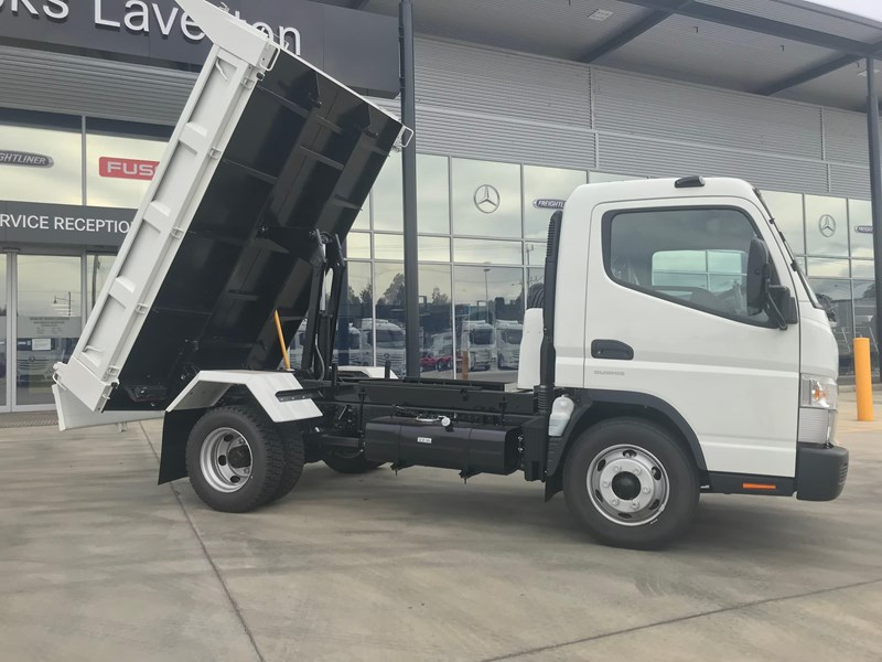 fuso canter 820401 049