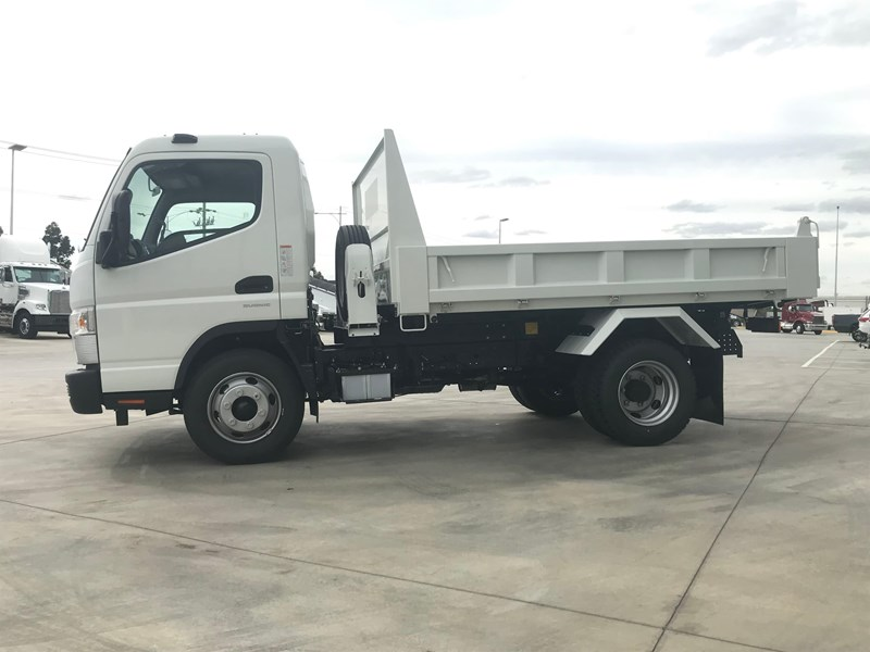 fuso canter 820401 011