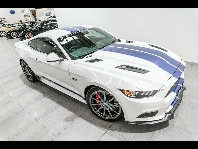 ford mustang 838608 003