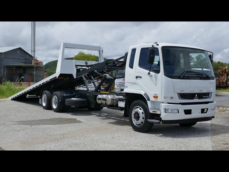 fuso fighter 2427 832009 015