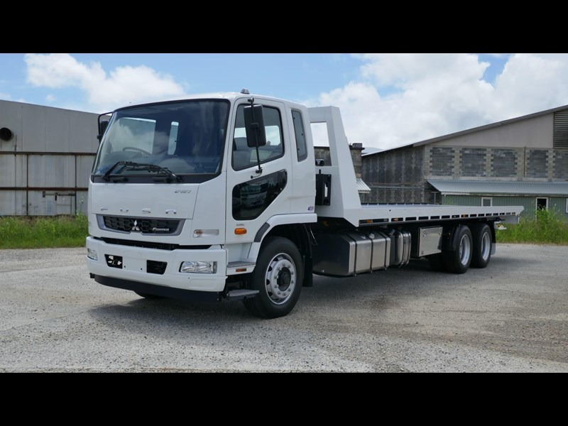 fuso fighter 2427 832009 005