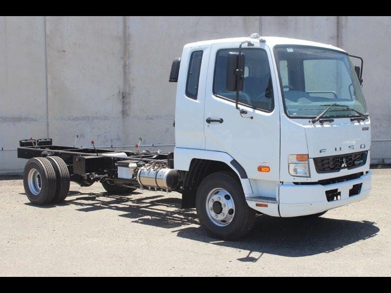 fuso fighter 828155 031
