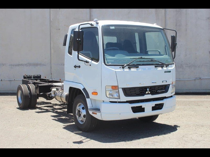 fuso fighter 828155 027