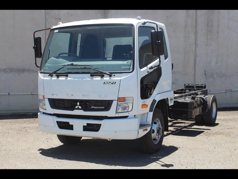 fuso fighter 828155 009