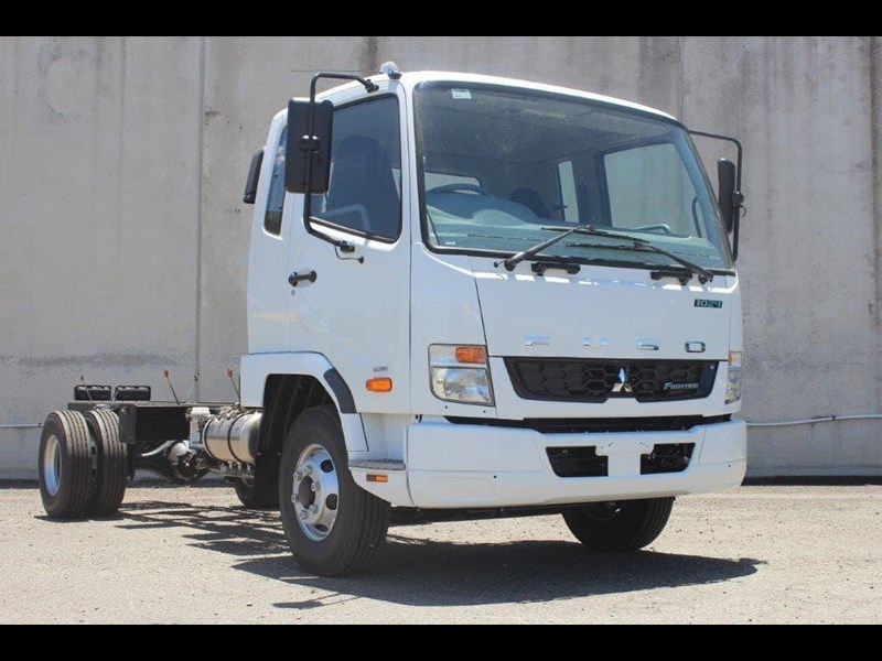 fuso fighter 828155 029