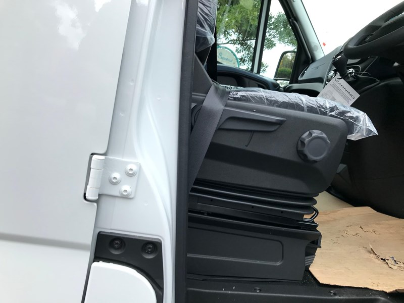 iveco daily 35s17 795409 027