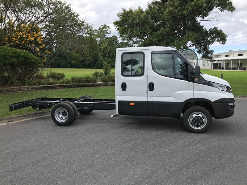 iveco daily 35s17 795409 011
