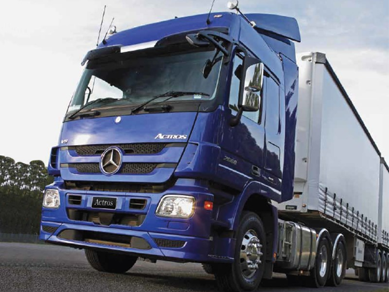 New mercedes benz actros 2655 prime mover heavy duty for Mercedes benz 440
