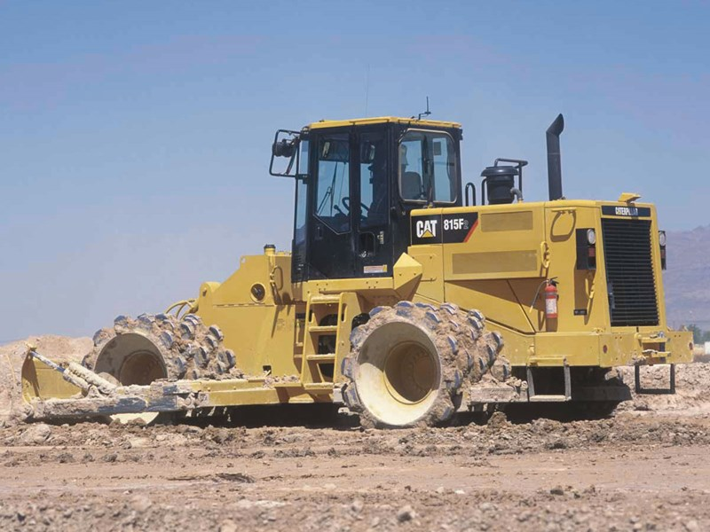 caterpillar 815f series 2 soil compactor 26458 001