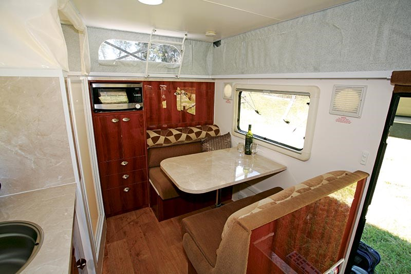 goldstream rv explorer st 52744 009