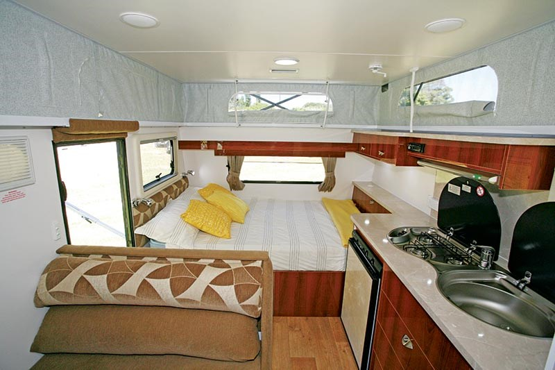 goldstream rv explorer st 52744 021