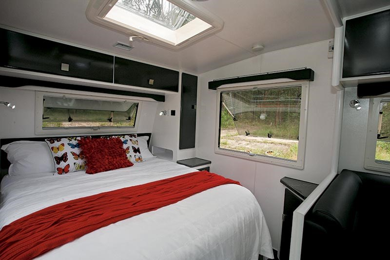 retreat caravans hamilton 52740 011