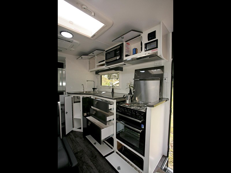 retreat caravans hamilton 52740 015