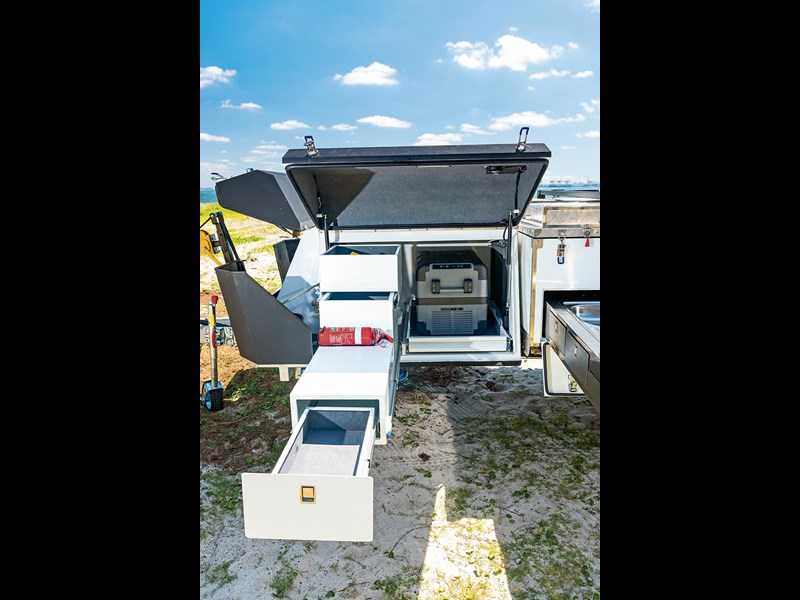 blue tongue camper trailers overland xr 54371 021