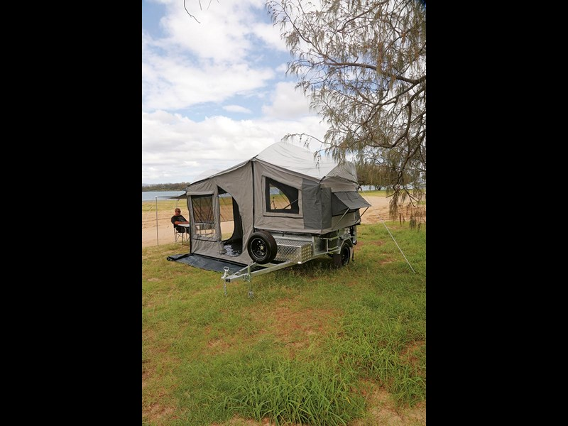 emu camper trailers suv semi off-road 54376 005