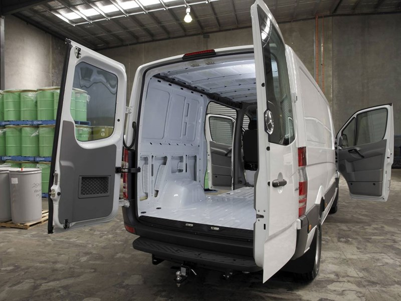 mercedes-benz sprinter 66360 011