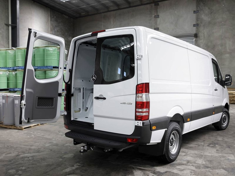 mercedes-benz sprinter 66357 015