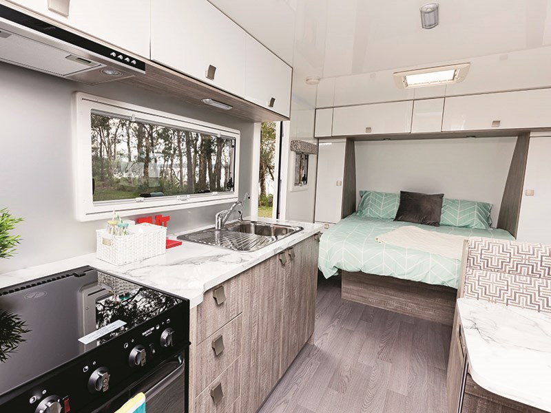 winnebago (apollo) mossman c 56099 005
