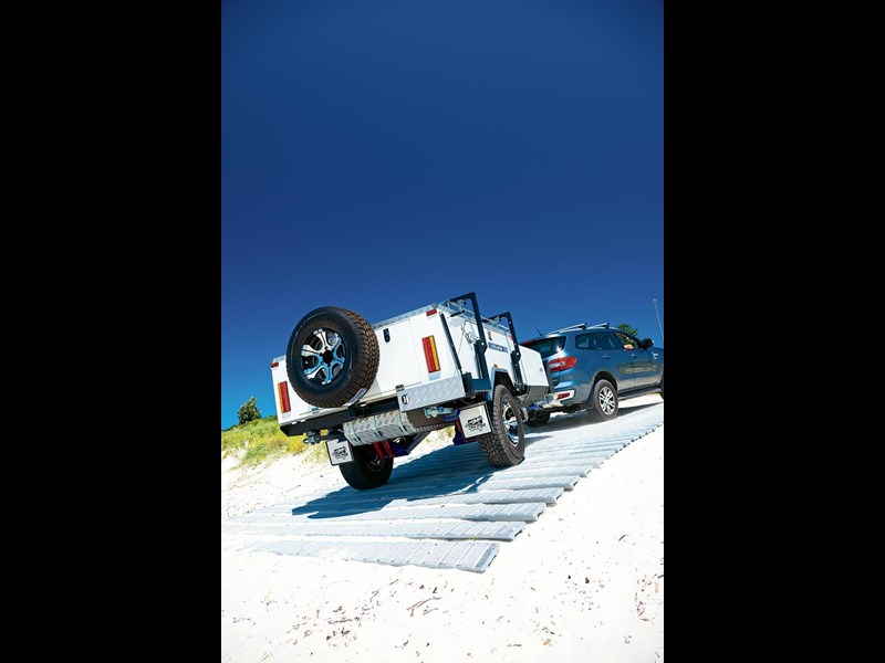 blue tongue camper trailers overland xd 60369 003