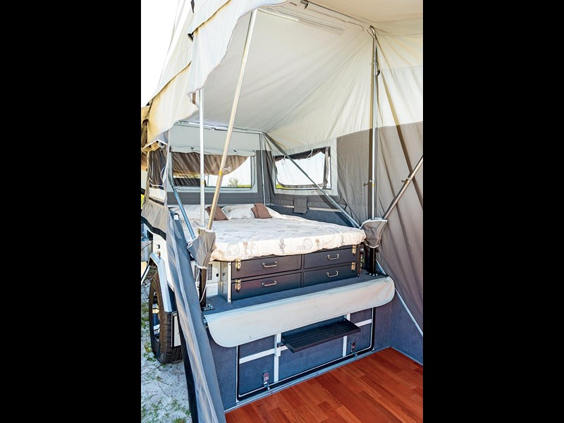 blue tongue camper trailers overland xd 60369 019