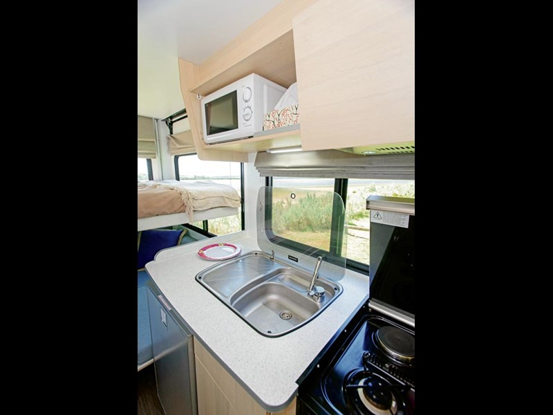discovery 4 berth 2030 63094 013