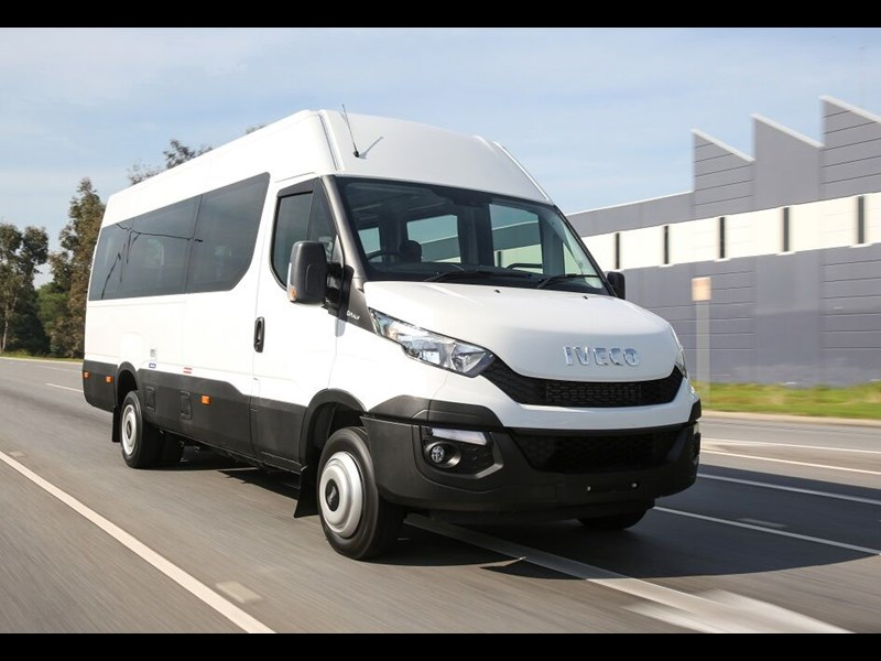 iveco daily mini bus 16 & 22 seat 80679 001