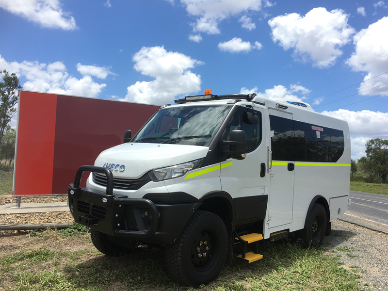 iveco daily mining minibus 4x4 11-20 seat 80680 001