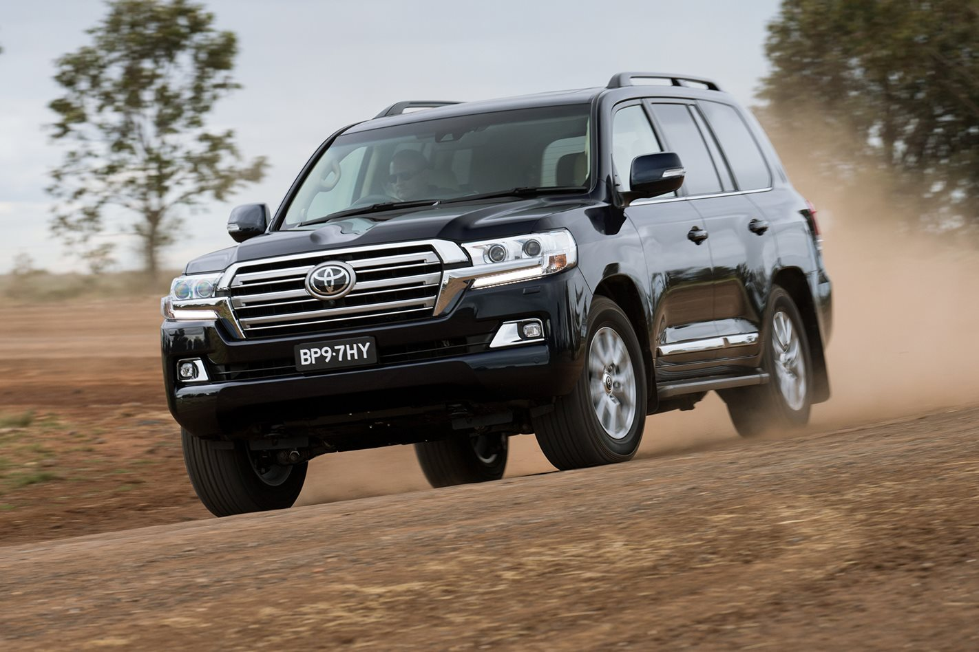 toyota upgrades land cruiser 4x4 australia. Black Bedroom Furniture Sets. Home Design Ideas