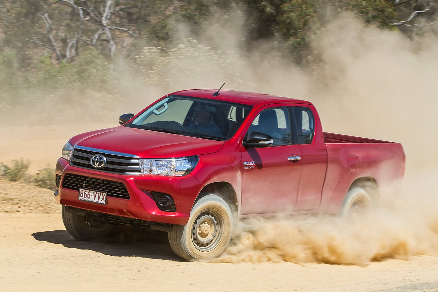 toyota hilux extra cab video review. Black Bedroom Furniture Sets. Home Design Ideas