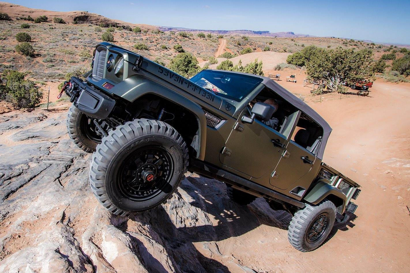 jeep crew chief 715 concept review 4x4 australia. Black Bedroom Furniture Sets. Home Design Ideas