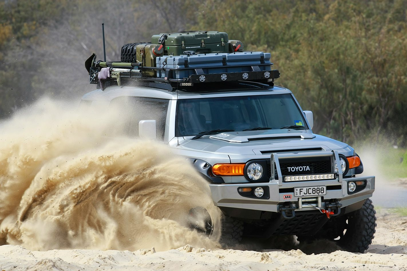 Supercharged Toyota FJ Cruiser: Custom 4x4