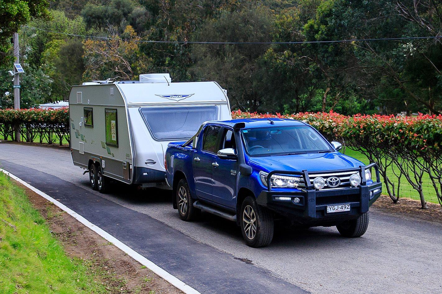 2016 Toyota Hilux SR5 caravan testing