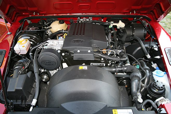Land Rover Defender 90 engine