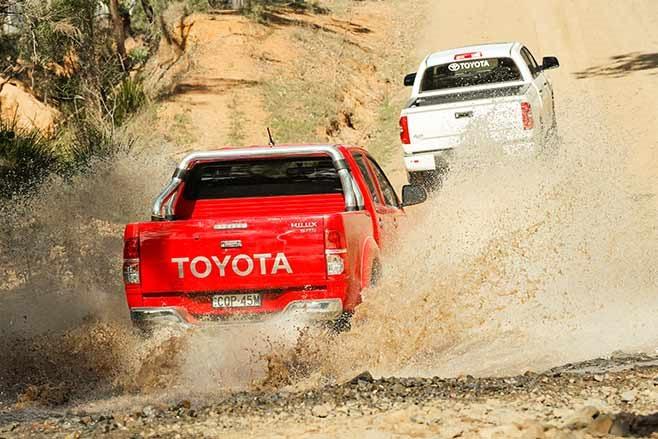 Toyota-Tundra-Crewmax-vs-Toyota-Hilux-SR5-double-cab-splash-2