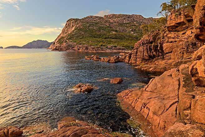 Sleepy-Bay-Freycinet-Peninsula