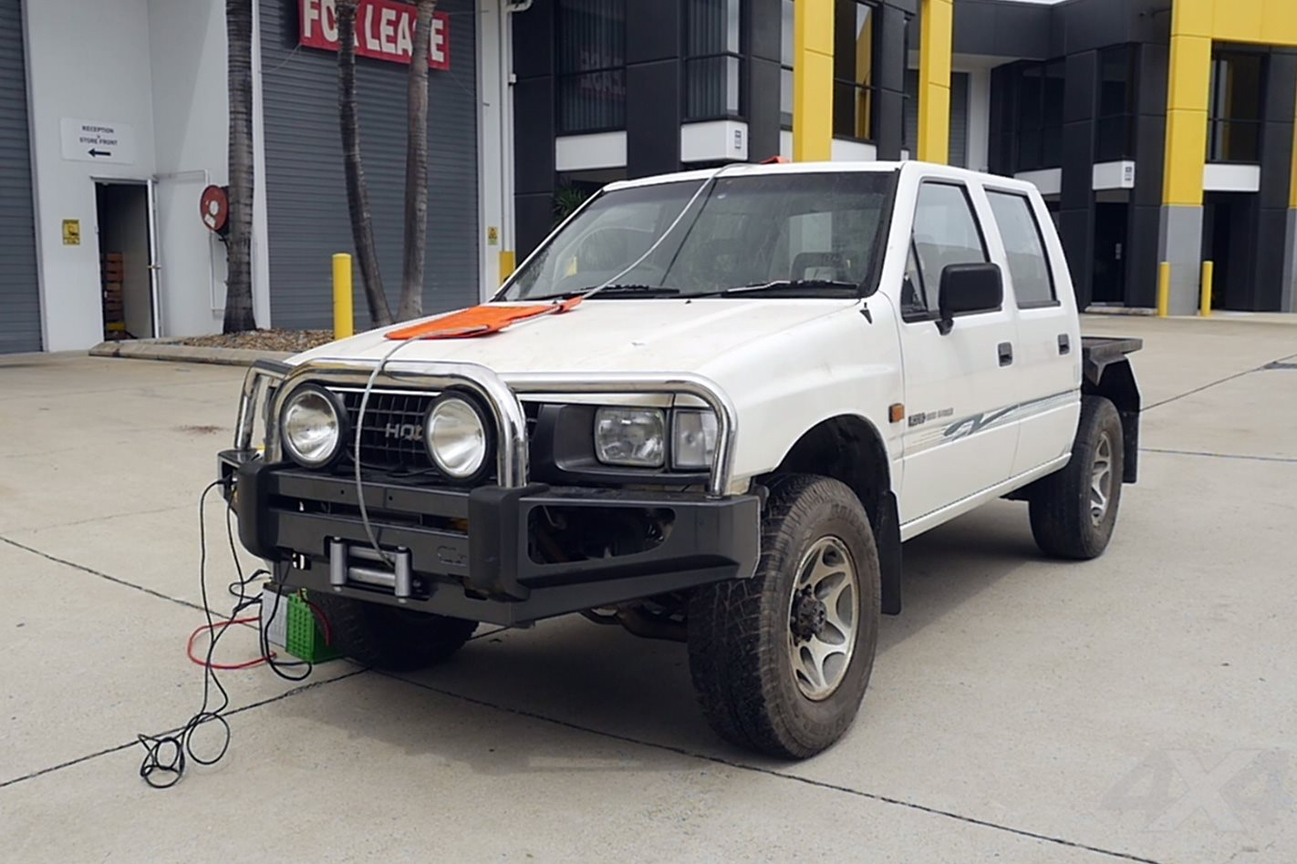 Winch crushes Holden Rodeo: Video