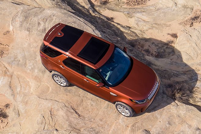 2017 Land Rover Discovery top view