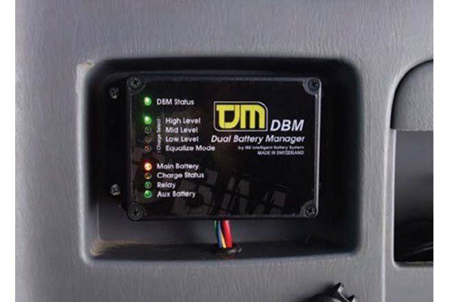 TJM dual battery manager