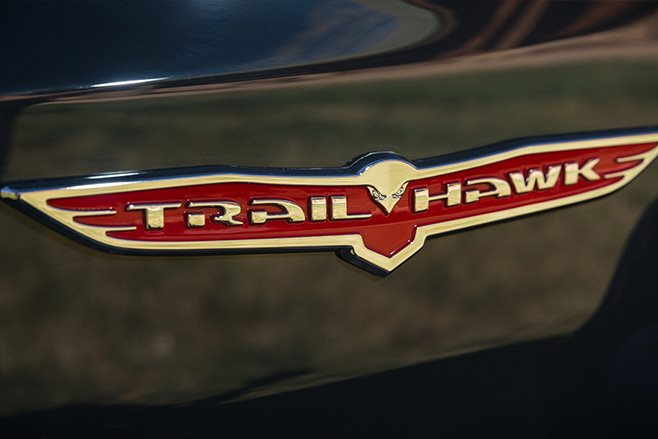 Jeep Grand Cherokee trailhawk badge