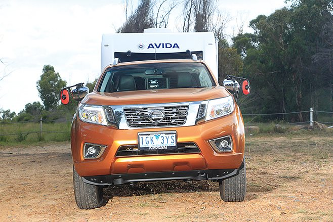 Nissan Navara ST-X front