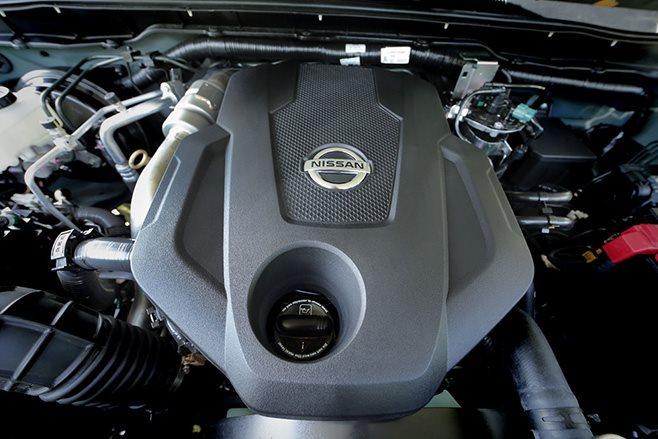 2017 Nissan Navara NP300 engine