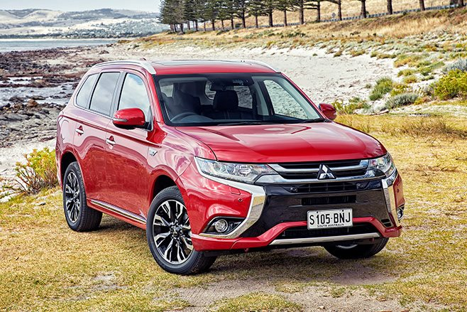 Mitsubishi Outlander Exceed front