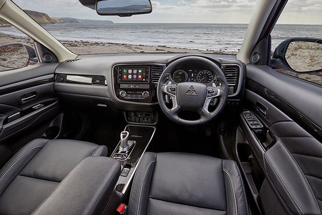 Mitsubishi Outlander Exceed interior