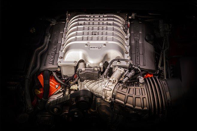 Jeep Grand Cherokee Trackhawk engine