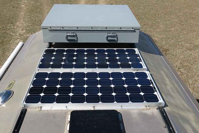 Custom 1999 Ford F-550 Turtle V solar panels